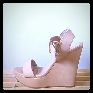 Nude high wedges
